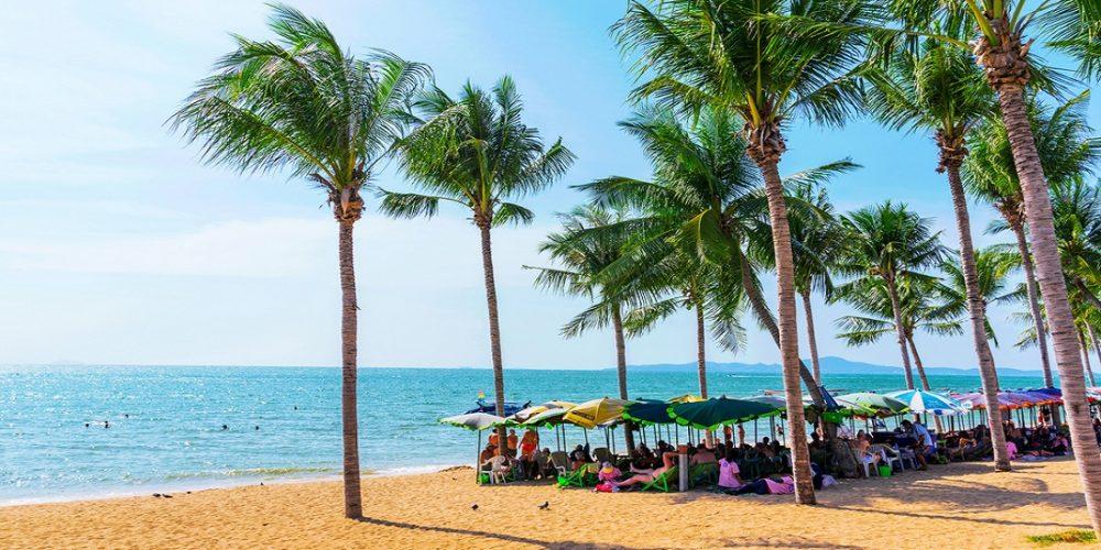 jomtien-beach-in-pattaya-gm656537642-119579839